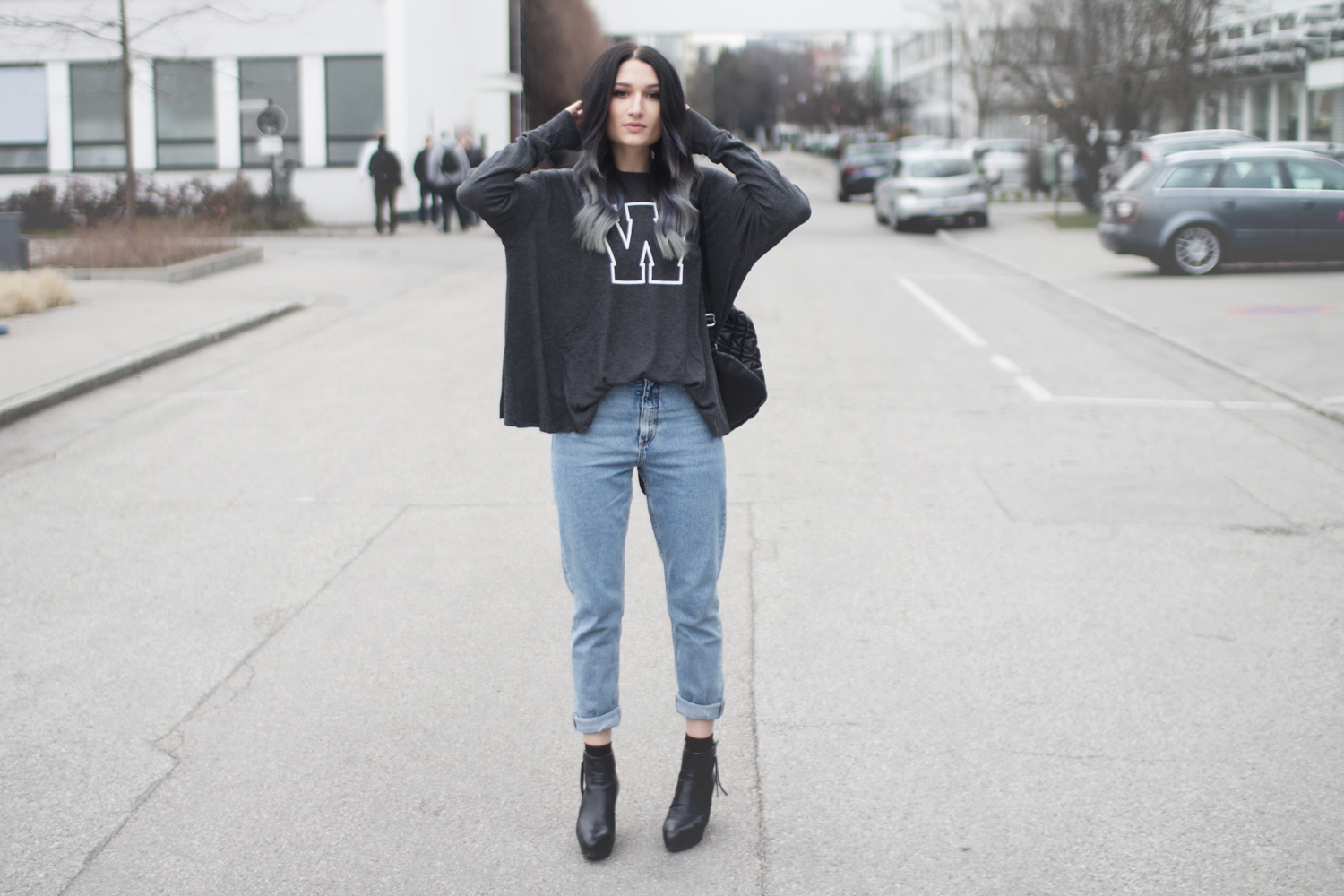 Outfit: Mom Jeans & Wildfox